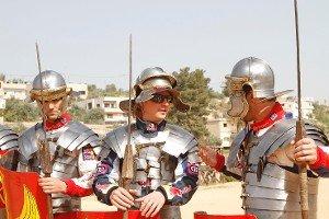 Кими Райкконен в амуниции римского гладиатора