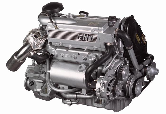 Двигатель для катера